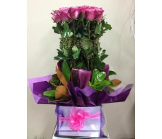 20 Fuchsia Rose's in a box