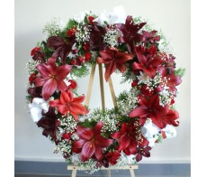 Rich Red and White Wreath