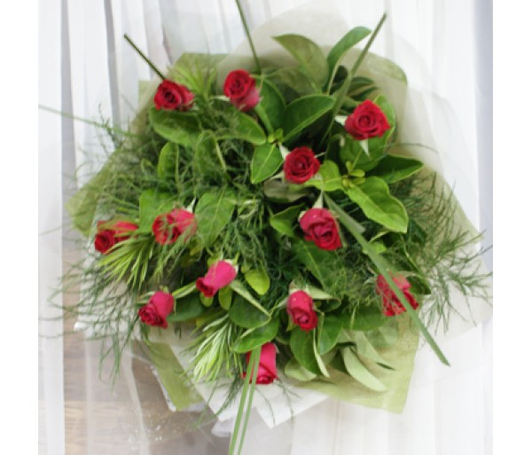 12 Red Roses - Bouquet