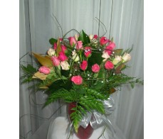 30 Mixed Pink Roses in a vase.